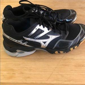 Mizuno Wave Bolt3 women's athletic shoes size 9.5
